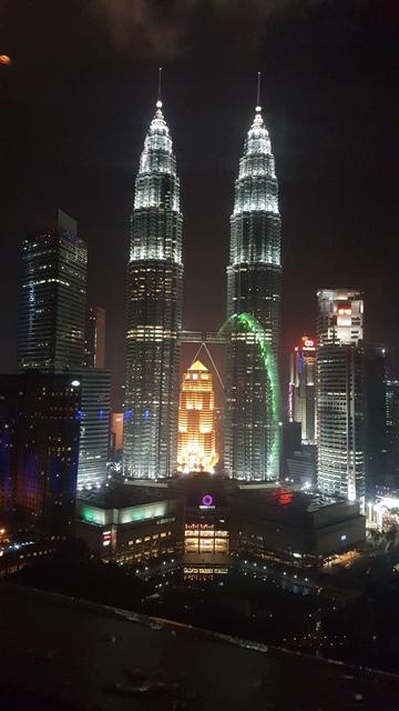 Shoppen & Feiern – Malaysia pulsiert! Shopping-Metropolen und das pulsierendes Nachtleben Malaysias