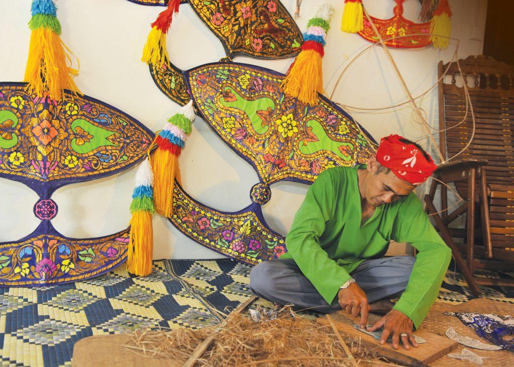 Traditionen und Kultur – Drachenfliegen